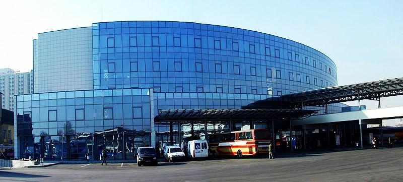 Автобусна гара Сердика в София